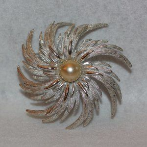Sarah Coventry LARGE Pinwheel Flower Brooch